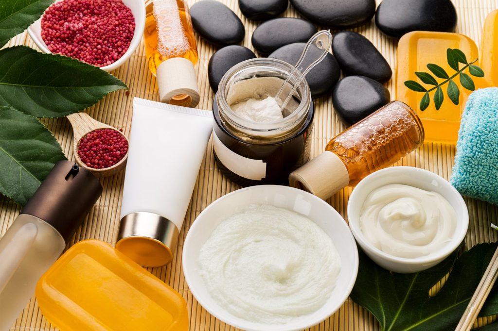 Кремы и косметические средства: правильные действия для их нанесения