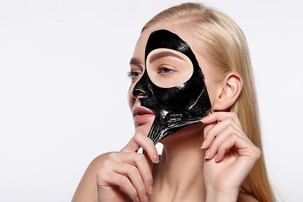 Уход за кожей: что такое черные маски