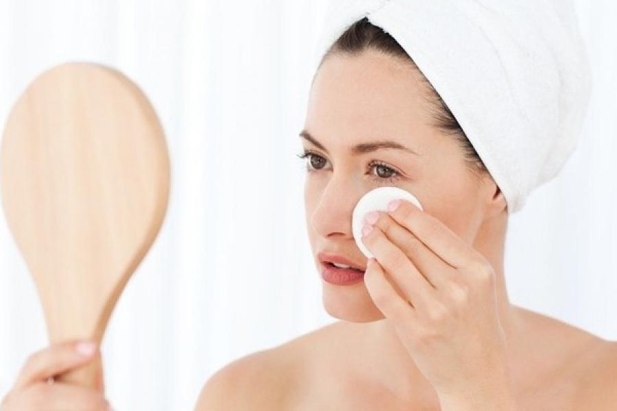 Снятие макияжа маслом
